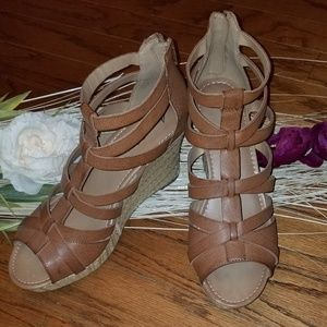 🌺AMERICAN EAGLE WEDGE HEEL SANDALS